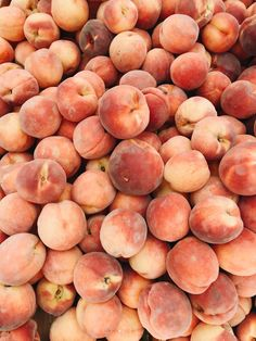 Pretty peaches Spring Aesthetic, Orange Aesthetic, Aesthetic Themes, Just Peachy, Peach Fruit, Fruit Packaging, Sweet Peach, Stone Fruit, Aesthetic Wallpapers