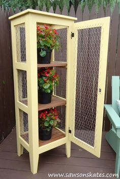 Grab the chicken wire -- this is going to make your patio look so idyllic!