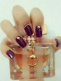 Low-key purple nail