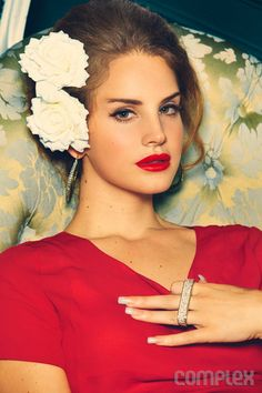 White Roses and Red Lips ❤