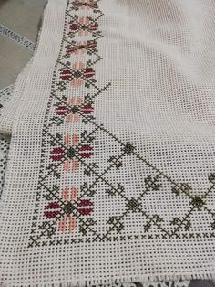 Cross Stitch Gallery, Cross Stitch Designs, Baby Knitting Patterns, Stitch Patterns, Crochet Curtains, Embroidery Suits Design, Lassi, Blackwork, Cross Stitch Embroidery