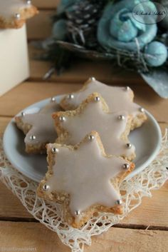 Christmas Food Gifts, Christmas Desserts, Christmas Cookies, Christmas 2017, Christmas Biscuits, Star Cookies, Cookie Decorating, Love Food, Holiday Recipes