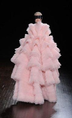 Alexander McQueen Fashion Week Paris F/W 2012