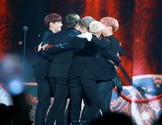 BTS meets Daesang <3  IM SO PROUD T_T  Army please vote for BTS on mama....We are behind <3