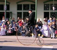 Looks easy, but I would bet that it is not!  Dickens on the Strand