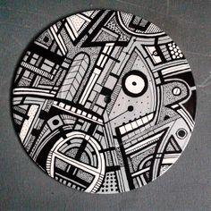 "More recycling 7"" vinyl discs with Montana spray paint and acrylic markers.  #dantirels #art #artists #urbanart #artgallery #artofinstagram #originalart #graffitiartist #graffiti #abstract #montanacans #spraypaint #montanamarker #vinyl #recycle  Thanks for the likes and follows I really appreciate it. by dan_tirels"