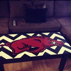 Chevron and the hogs ❤ Perfect table for a future Arkansas room