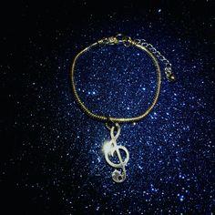 🎼🎤Musica desideri bellezza, a Marco Evans e alla sua meraviglia...grazie per aver scelto CreaCi🎼🎤🎵🎧 #CreaCi #creation #creativity #personalized #handmade #snake #music #canto #bellezza #chiavediviolino #bracelet #bracciale #canto #charms #pendants