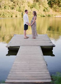 ok I know this is a maternity shot, but I'd really love to have a wedding ceremony on a dock in front of a lake somewhere. could be so pretty.