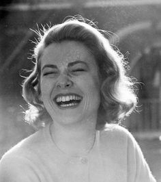 I love pictures of laughing women - or laughing women in person (depending on what they're laughing at).
