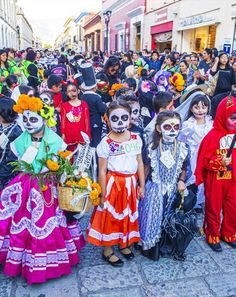 Day of the Dead (Día de Muertos) —Mexico | TOP 10 World Legendary Festivals You Don't Want To Miss: