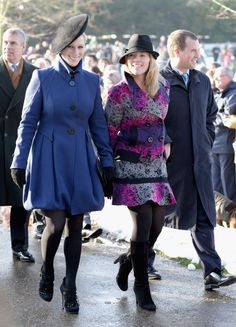 Zara Phillips Photos Photos - Zara Phillips, Autumn Phillips and Peter Phillips leave the Christmas Day service at Sandringham Church on December 25, 2009 in King's Lynn, England. The Royal Family are traditionally greeted by well wishers and members of the public as they attend the service. - Royals Attend Christmas Day Service At Sandringham