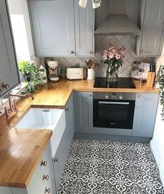 New kitchen remodel diy budget floors Ideas Kitchen Layout, New Kitchen, Kitchen Decor, Kitchen Ideas, Kitchen Small, Kitchen Wood, Diy Kitchen Remodel, Kitchen Remodeling, Remodeling Ideas