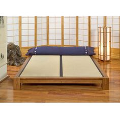 Tatami Platform Bed, with 2 tatami mats:DharmaCrafts meditation supplies Queen Platform Bed Frame, Queen Frame, Tatami Bed, Tatami Room, Japanese Platform Bed, Meditation Supplies, Zen Space, Queen Beds, Washitsu