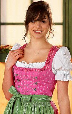 pink-grün Dirndl mini http://www.oktoberfesthaus.com
