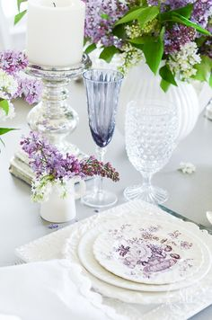 LILAC TABLE- A beautiful, graceful tablescape filled with lovely lilacs! Table Diy, Lilac Blossom, Table Setting Inspiration, Easter Table, Easter Party, Easter Eggs, Beautiful Table Settings, Thanksgiving Table Settings, Fall Table