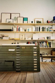Reform Kitchen / Creative space / office / inspiration / Metal flat files serve as a secondary surface — DIY plywood office shelving for home office studio Home Studio, Dream Studio, Art Studio Spaces, Studio Art, Creative Arts Studio, Studio Ideas, Art Studio Organization, Organization Ideas, Art Studio Storage