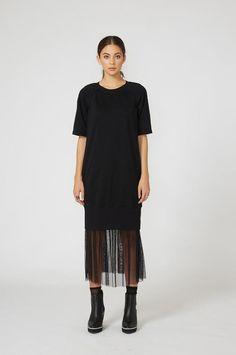 """<a href=""""https://www.moochi.co.nz/trap-sweater-dress-black#0""""…"""