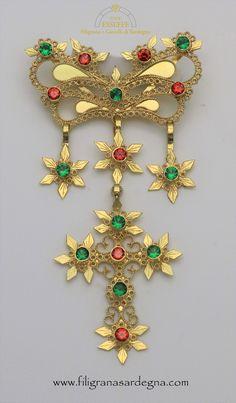 Zoiga medio piccola dorgalese in oro realizzata a dorgali da ESSEFFE FILIGRANA SARDEGNA corso Umberto 72 contatti: 0784 96780