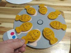 교구제작/어린이집환경구성)붕어빵교구 만들었어요~~^^ : 네이버 블로그 Felt Crafts Diy, Felt Diy, Art For Kids, Crafts For Kids, File Folder Games, Japanese Graphic Design, Baby Art, Learning Toys, Activities For Kids