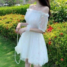 Korean Fashion Dress, Ulzzang Fashion, Kpop Fashion Outfits, Girls Fashion Clothes, Edgy Outfits, Mode Outfits, Pretty Outfits, Pretty Dresses, Beautiful Dresses