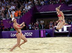 Treanor & Walsh jump for joy after beating fellow Americans Ross & Kessy for the gold medal