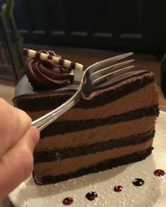 """food trick on Instagram: """"Anyone Up for some Delicious Layered Cake?😍❤💙👌👌 👇😍 follow @food.trick follow @food.trick follow @food.trick ============================…"""""""
