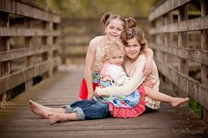 Awesome three-children pose from Kristin Ingalls