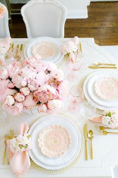 Pink Peony Easter Table - super simple Easter table with faux pink peonies, cherry blossoms and pretty floral plates. This table is a show stopper! Peonies Season, Decoration Table, Pink Table Decorations, Easter Table, Spring Home, Pink Peonies, Easter Baskets, Pretty In Pink, Pink Love