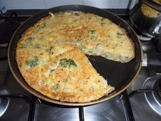 ok so this morning i made frying pan quiche i suppose you could call it fritata but im calling it quiche so what went in [. How To Cook Squash, How To Cook Corn, How To Cook Fish, Best Non Stick Pan, Slimming World Breakfast, Pan Sizes, Slimming World Recipes, Meals For The Week, Casserole Recipes