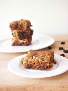 Gluten Free Peanut Butter Blondies No refined sugar.  Healthy, yet indulgent, dessert! #glutenfree #healthy