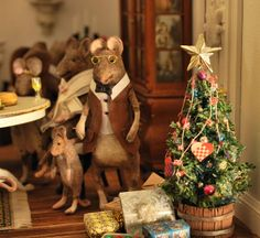 The Mini Mice- Christmas Time Felt Mouse, Mini Mouse, Baby Mouse, Cute Mouse, Christmas Post, Christmas Night, Christmas Crafts, Christmas Ornaments, Prim Christmas
