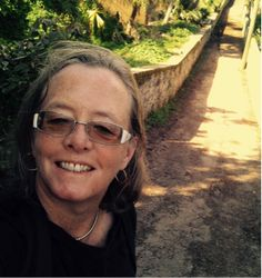 This month, I have the pleasure to welcome Mari Hill Harpurto the blog. Born in St. Paul, Minnesota, in 1949, she has had a passion for art and photography since…