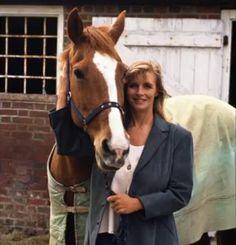 Linda McCartney ~  So happy with her horse