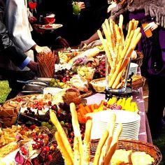 catering buffet quesos mesa deco colines pan bodorrio