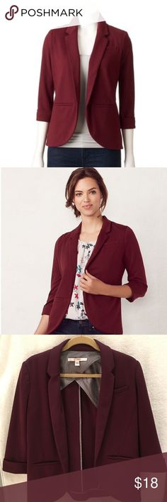LC Lauren Conrad Ponte Open Front Blazer This women's LC Lauren Conrad ponte blazer adds a touch of sophistication to any outfit.   PRODUCT FEATURES 	•	Rolled cuffs 	•	3-faux pockets 	•	Open front 	•	3/4-length sleeves 	•	Ponte construction 	•	Lined  FABRIC & CARE 	•	Polyester, rayon, spandex 	•	Dry clean 	•	Imported LC Lauren Conrad Jackets & Coats Blazers