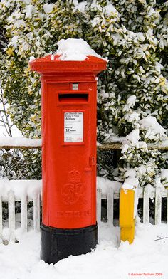 post box in the snow… there's only one thing more british… post box in the rain… Post Box Red, You've Got Mail, England And Scotland, Snow And Ice, London Calling, British Isles, Great Britain, Old And New, David Foster Wallace