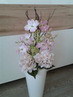 Happy House, Pots, Home Decor, Christmas Decor, Vases, Floral Arrangements, Centerpieces, Decorations, Room Decor