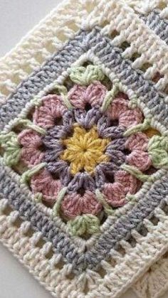 Love scrap use maybe that happens to all old knitters and crocheters lol jh crochet fox crochet gifts love crochet crochet granny crochet squares crochet lace crochet motif crochet stitches crochet patterns – ArtofitCal crochet in boom flower square fre Crochet Square Blanket, Crochet Motifs, Granny Square Crochet Pattern, Crochet Blocks, Afghan Crochet Patterns, Crochet Squares, Knitting Patterns, Flower Granny Square, Crochet Ripple
