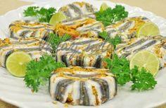 Hamsili Bulgur Pilavı Fish Recipes, Fresh Rolls, Sushi, Cheese, Meals, Ethnic Recipes, Type 3, Food, Facebook
