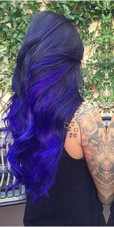 Dye your hair simple & easy to ombre teal hair color - temporarily use ombre blue hair dye to achieve brilliant results! DIY your hair ombre with hair chalk Teal Hair, Bright Hair, Ombre Hair, Turquoise Hair, Violet Hair, White Hair, Exotic Hair Color, Cool Hair Color, Love Hair