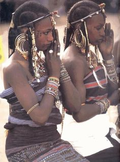 Akiiki: Jewellery Inquest: Lay it bare, Haute African Jewellery, Flaunt Magazine Tribal People, Tribal Women, Cultures Du Monde, World Cultures, African Tribes, African Women, We Are The World, People Of The World, African Culture