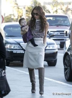 Yes Ms. Beckham, It is very smart to have one hand in your pocket while the other is busy with you'r new baby! Ouarf!
