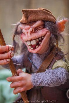 Polymer Clay Art. Doll house Elf Criaturas Mágicas de Fantasía hechas a mano, por el artista plástico Moisés Espino. The Goblin´s Lab. Madrid, España. Criaturas de leyenda 100% hechas a mano y alimentadas en casa. Duendes, Hadas, Trolls, Goblins, Brownies, Fairies, Elfs, Gnomes, Pixies....y un sin fin de otras más.  LINKS del artista: http://thegoblinslab.blogspot.com.es/ https://www.etsy.com/shop/GoblinsLab http://goblinslab.deviantart.com/