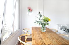 decoactive y sandra rojo Dining Table, Rustic, Projects, Barcelona, Inspiration, Furniture, Instagram, Home Decor, Less Is More