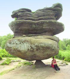 Morning cup of random photos) - The Laughter Ward Stone Balancing, Formations Rocheuses, Photo Images, Beautiful Rocks, Natural Phenomena, Land Art, Stone Art, Natural Wonders, Natural World