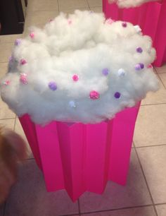 I want to try & make Alenas cupcake costume. :D - All Things Alisa: How to Make a Cupcake Costume Diy Halloween, Cupcake Halloween Costumes, Halloween Costumes For Girls, Holidays Halloween, Halloween Decorations, Cupcake Costume Baby, Costume Bonbon, Holiday Crafts, Holiday Fun