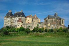 L'impressionnant château de Biron est un mille-feuille de 5 siècles…