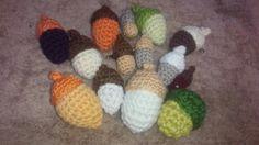 ドングリ編みました