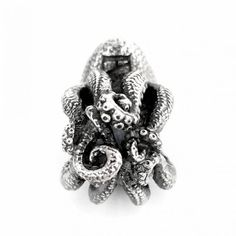 Our Kraken bead is modeled after the North Pacific Giant Octopus which is the largest of all octopus species, and along with other cephalopods -a group of molluscs that contain the octopuses, squid and cuttlefish- it is considered one of the most intelligent of all invertebrates.  #faerybeads #kraken #octopus #squid #mollucs #cephalopods #sealife #charms #charmsnecklace #charmsbracelet #beads #berloques #joyas #jewelry #jewellery #artbeads #handmadeinholland